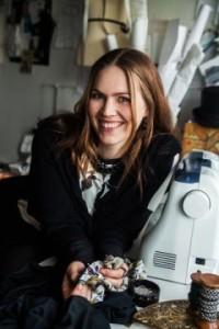 Signe Eriksen sælger sykurser online