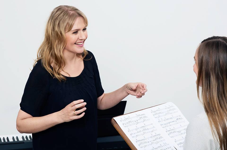 Christina laver sangundervisning online