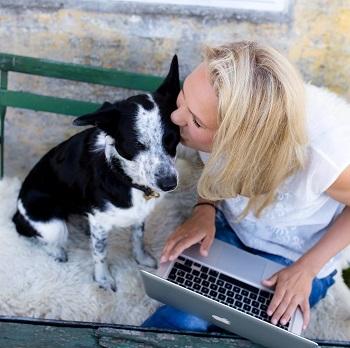 Lea Nor arbejder med online hundetræning
