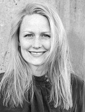 Charlotte Haase sælger skrivekurser